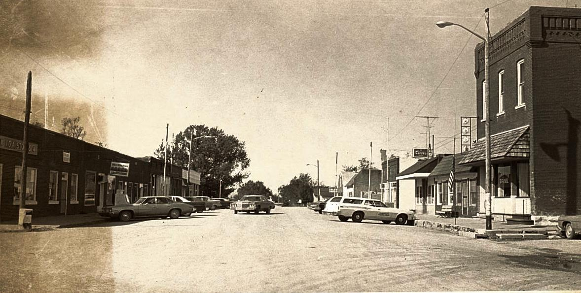 Main Street of Blue Mound in 1977
